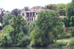 Mainufer Villa