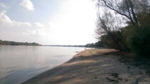 Strand neben der Marina