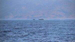 Flüchtlingsboot und Türkische Coast Guard