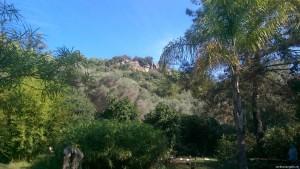 Felsen über Steg von Karacasoğut